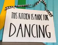 Kitchen made for dancing